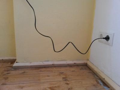 """<img src=\""""http://rm16.blogsport.de/images/elektroRM161.jpg\"""" alt=\""""Bauarbeiten 2015 Elektro in einem Zimmer RM16 fertig \"""" />"""