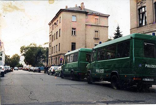 Am 03. Oktober 1999 wurde die Robert-Matzke-Str.16 (RM16) in Dresden Pieschen das erste mal besetzt!